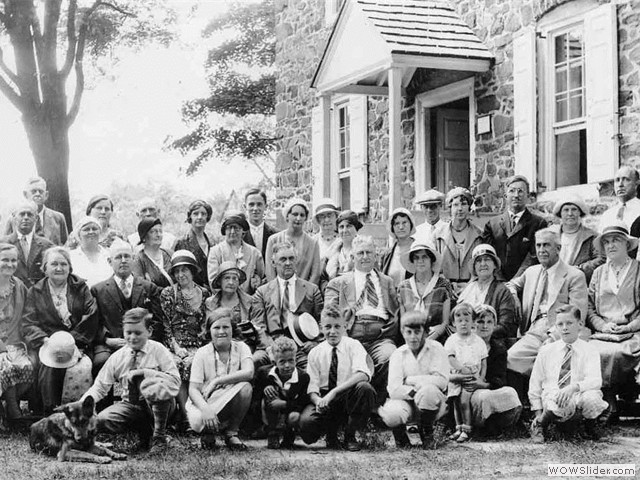 Pidcock Reunion at the house-mid1930s